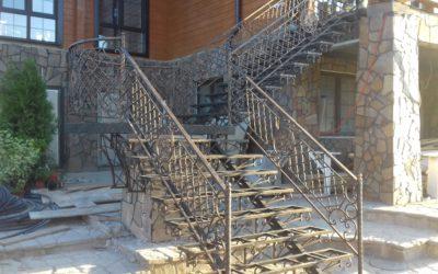 Кованые лестницы КЛ-02